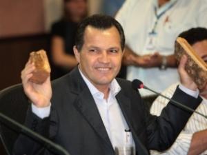 Silval Barbosa, Governador do Mato Grosso. Sua cadeira esquentou de repente...