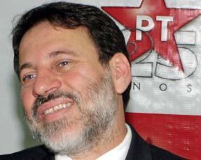 Delúbio Soares, após a expulsão devido ao Mensalão, eis que está de volta ao partido...