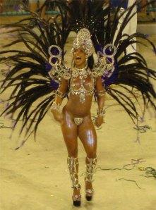 Carnaval, o império dos sentidos. Depois é só arrependimento para muitos e dívidas para outro tanto.
