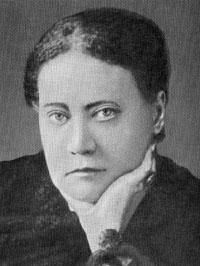 Helena P. Blavatsky, aquela que recebeu do Mestre K. H. a obra intitulada A DOUTRINA SECRETA.