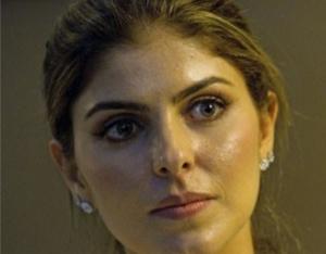 """Eis Andressa Mendonça. Bonita, ela enfrenta a situação difícil de seu companheiro com dignidade e coragem. Não me interessa se também é """"bandida""""."""