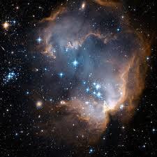 De lugares como esta nebulosa podem estar chegando à Terra espíritos reprovados no programa da Evolução. Quem sabe?
