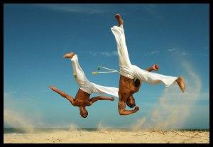 A dança da morte do Brasil. A Capoeira jamais foi uma Arte Marcial que se pode domar. Quando jogada de verdade ela mata.