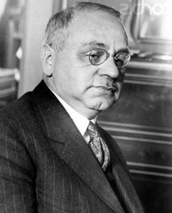 Alfred Adler (1870-1937). Filho de judeus húngaros não sionistas, formou-se formou-se em medicina, psicologia e filosofia, em Viena.