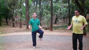 Dois praticantes de Tai-Chi