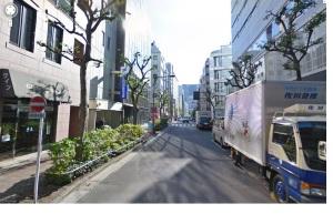 Nossas cidades podiam ter ruas limpíssimas, como esta. Mas falta-nos Educação Cívica.