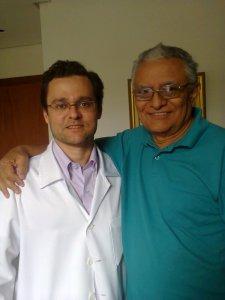 Este Médico honra sua classe profissional. Ético, cuidadoso, competente e simples, ele me mostrou que ainda há gente que merece respeito e consideração neste mundo de tresloucados.