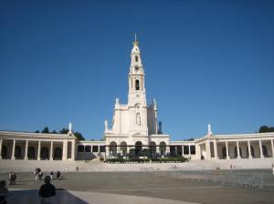 O Santuário de Fátima. Onde estará a famosa Gruta? O que aconteceu com ela?