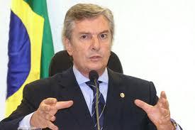 """""""Vai com calma, cara. Vai com calma que foi assim que eu caí, mas o Brasil também não ficou de pé!"""""""