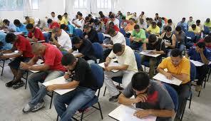 Crânios da engenharia da computação, no Brasil. Eles também sonham com um bom salário e uma vida tranqüila. Mas...