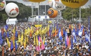Sindicalizados ou não, o povo grita e o governo IRRITA.