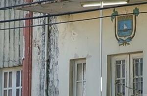 Eis o que a TV Globo mostrou: o estado precário de uma delegacia no RN. Motivo? Verba desviada para pagar folha de pessoal.