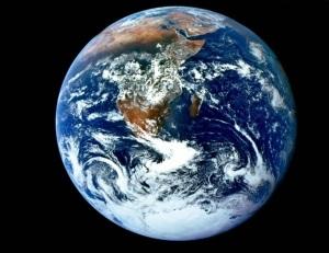 A Terra no Espaço. Tão grande e tão ínfima...