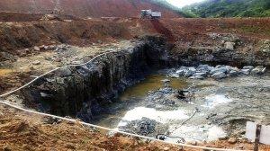 Eis a foto que a VEJA colocou em seu artigo. Barragem Cupira - desperdício de dinheiro público.