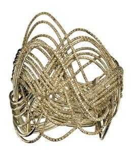 Ouro, o metal que vira a cabeça dos fracos e gananciosos.