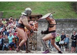 Yehoshua condenava veementemente lutas sangrentas, ou não, entre os homens. Isto, para Ele, não demonstrava coragem, mas retardo evolutivo.