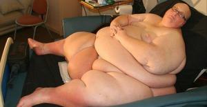 O obeso que é o mais gordo do mundo. Ele não é nada feliz com este recorde.