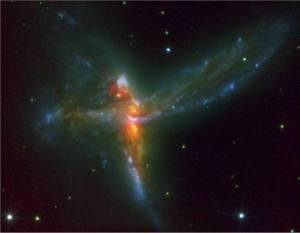 Sendo o Senhor da Forma, o Espaço é caprichoso em suas criações, como se vê nesta Galáxia que semelha um anjo...