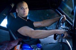 Vin Diesel, o fortão que não tem nenhuma mensagem boa em seus filmes de ação. Brutalidade e futilidade e só.