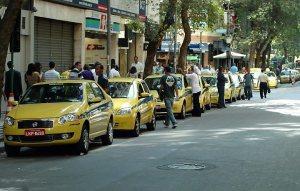 """Eles, em todo o Brasil, esperam ansiosos os """"patos"""" estrangeiros..."""