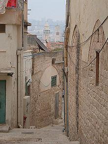 Uma rua na cidade de Nazaré, hoje. Nela foi que realmente nasceu Yehoshua, não em Belém.