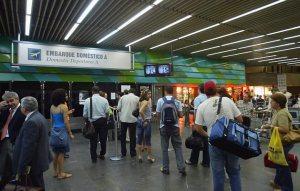 Aeroporto Tom Jobim, a porta de entrada principal do Rio. Vai doer, podem crer.
