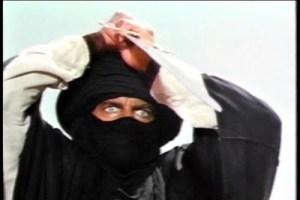"""Guerreiro Tuareg chamado de """"homem azul"""" devido às vestes que sempre têm essa cor. Eram temidos em todo o Saara."""