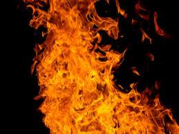 Diz a Bíblia que Deus se apresentou a Moisés como fogo que não queima. Mas acredito que Ele mudou de idéia. Continua sendo fogo, só que desta vez, queima muito...