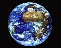 A Terra se move ao redor do Sol e cria ilusões que se tornam imperiosas às nossas vidas.