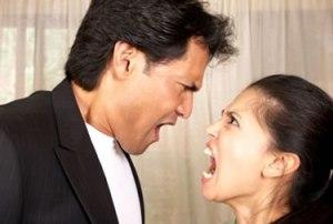 Pode acontecer que entre os pares do casal surja uma briga forte. Mas se um deles pratica a cumplicidade isto se demonstra em seu comportamento antes e depois da explosão.
