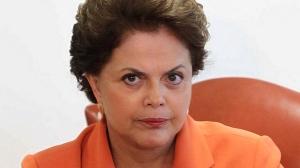 Ela é teimosa e burra, quando se trata de ser líder. E isto não condiz com a presidência de um país como o Brasil.