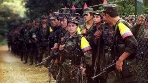 As FARC são uma verdadeira Força Armada. Do mal, mas são. E como Força Armada, ela sabe de todas as manobras usadas em Guerra e, até, criam outras para adaptá-las à guerrilha urbana. Perguntem à Vovozona. Ela sabe...