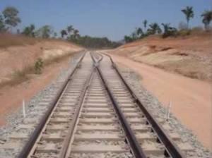 A demora na construção desta ferrovia é tão extensa quanto a visão que temos ao olhá-la nesta perspectiva.
