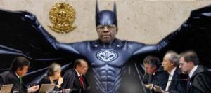 """Nosso """"Bat-Man"""" não cobre a cara. Ele é macho e não teme os PTralhas."""
