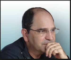 Eugênio Rosa Araújo, juiz  carioca que caiu na antipatia de todos os Exús brasileiros. Te segura, juizão!
