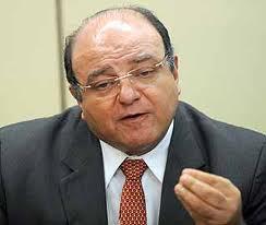 """""""Meu senhor, quando a curra é inevitável, relaxa e goza. É isto que o brasileiro tem de fazer."""""""