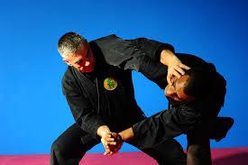 Tai-jutsu, uma das modalidades de combate dos samurais e ninjas.