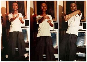 Yp Man, já bem idoso e perto de falecer. Ainda praticava diariamente os exercícios de sua Arte.