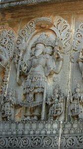 A Estátua de Brahma em Halebid.