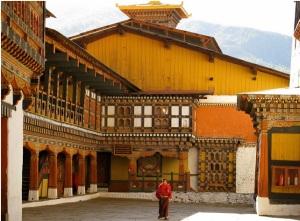 http://www.viajarpelomundo.com/ - O interior de um Mosteiro Budista. Semelhante a este era o cenário do Mosteiro Hemi.