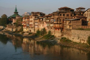 Esta é a velha cidade de Srinaggar, como Yehoshua e sua família a viram.