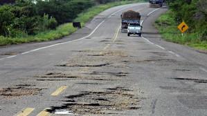 IPVA, CIDE etc... não fazem efeito nas rodovias brasileiras. Desaparecem nos gastos públicos descontrolados, mas isto tem de acabar.