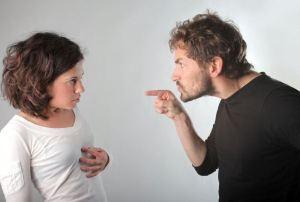 """""""Você não acerta nada. Se não fizer como eu lhe ensino, vai dar tudo errado!"""""""