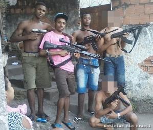 """""""Heróis"""" do Morro da Covanca - Rio de Janeiro. Culpados? Polititicas e OAB."""