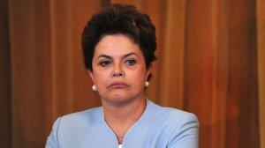 Explica, Dilma, esta quantidade imoral de ministérios e os gastos sigilosos nos Cartões Corporativos.