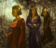 Druidesas colhendo ervas para seus caldeirões.