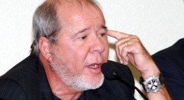 """Duda Mendonça tem um conselho para a Dilma: """"Pensa, Dilma. O Fidel te deve muito. É hora de tu pedires asilo político a ele. E depressa, que o Lula já está com os pés na lama..."""""""