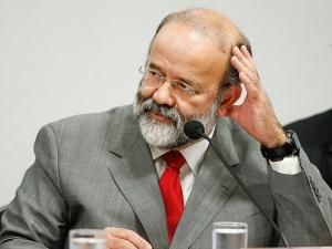 João Vacari Neto, Tesoureiro todo poderoso do PT, às voltas com a Lei que ele pensava poder burlar.