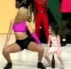Programa de auditório onde se ensinava as crianças a dançar na boca da garrafa.
