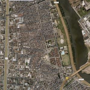 A Favela da Maré, bem ao lado do famoso Aeroporto do Galeão (Tom Jobim).